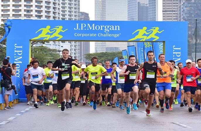 runners at the Singapore starting gate for the 2017 JPMorgan Corporate Challenge